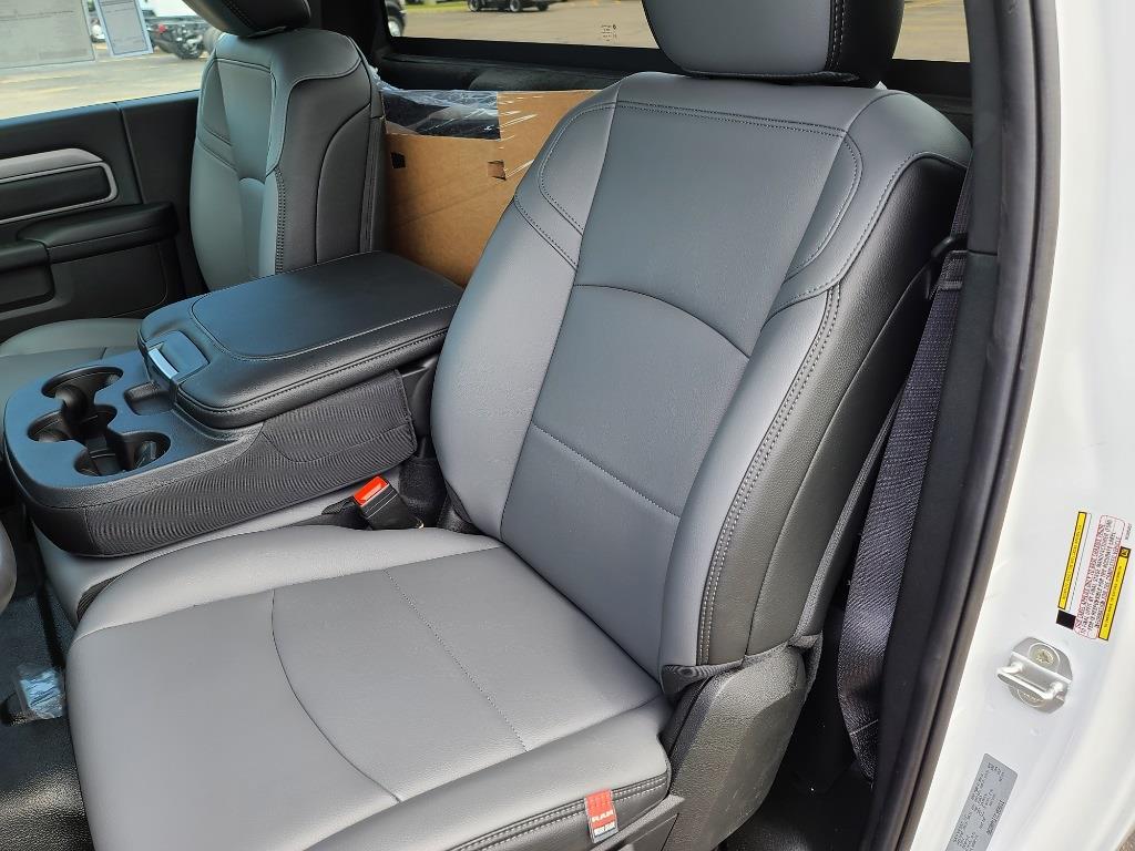 2021 Ram 5500 Regular Cab DRW 4x4,  Cab Chassis #M2113 - photo 11