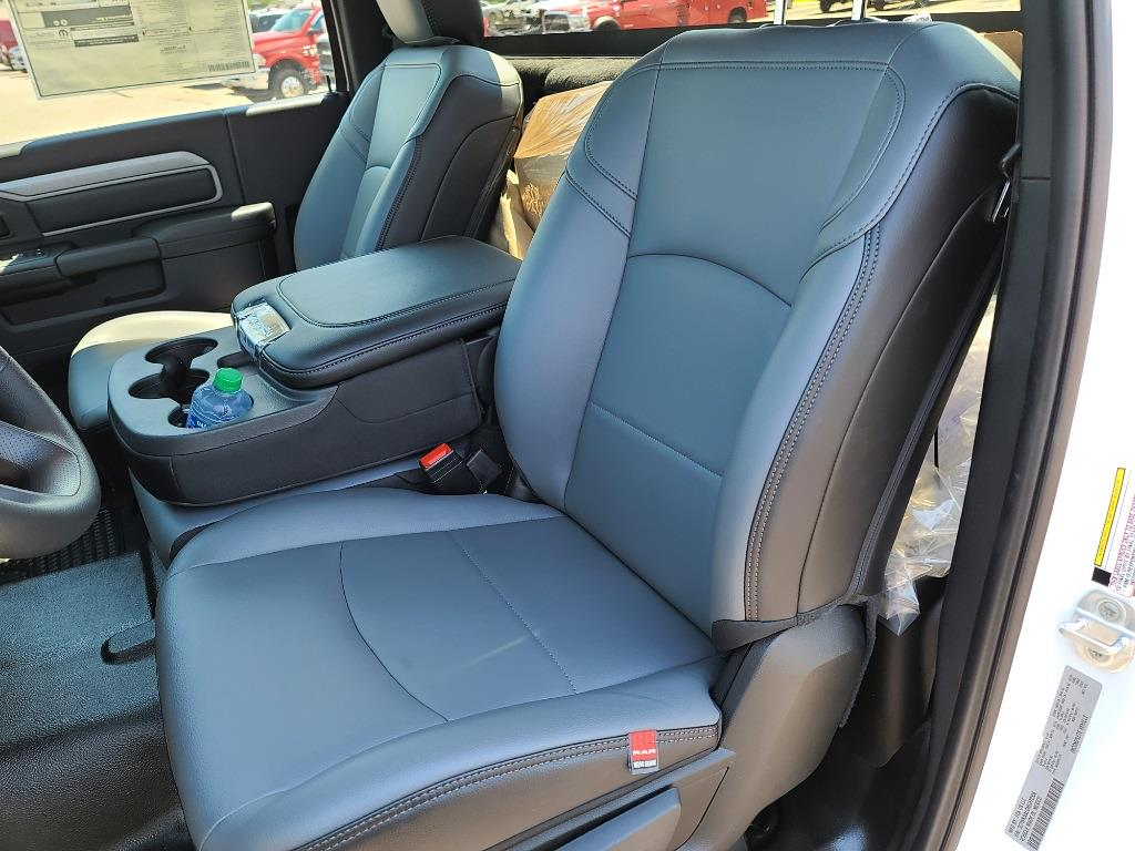 2021 Ram 5500 Regular Cab DRW 4x4,  Cab Chassis #M2272 - photo 14