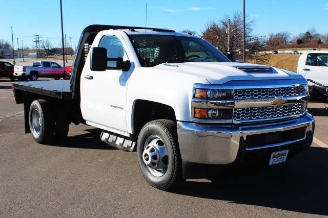 2019 Silverado 3500 Regular Cab DRW 4x4,  Knapheide Platform Body #105941 - photo 3