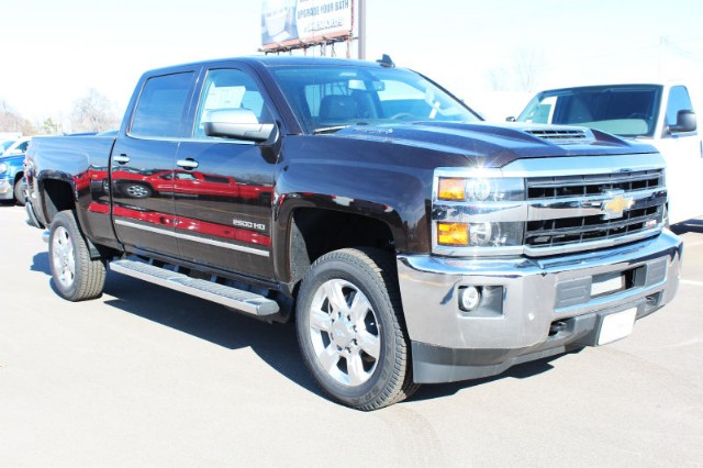 2018 Silverado 2500 Crew Cab 4x4,  Pickup #120643 - photo 3