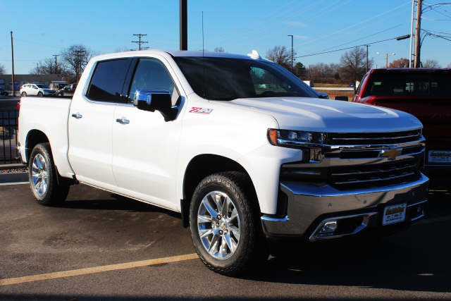 2019 Silverado 1500 Crew Cab 4x4,  Pickup #133609 - photo 3