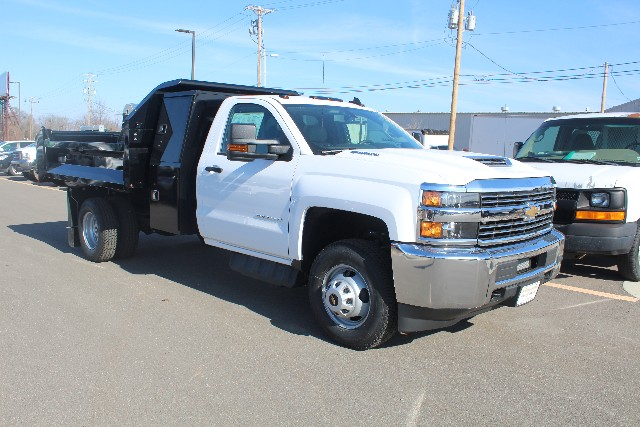 2018 Silverado 3500 Regular Cab DRW 4x4,  Knapheide Dump Body #149225 - photo 3