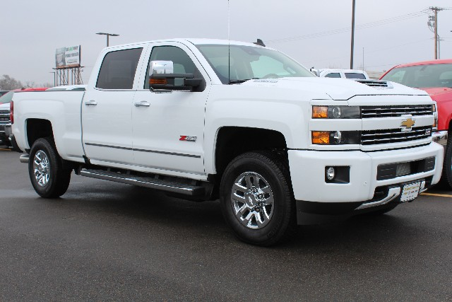 2018 Silverado 3500 Crew Cab 4x4,  Pickup #157006 - photo 3
