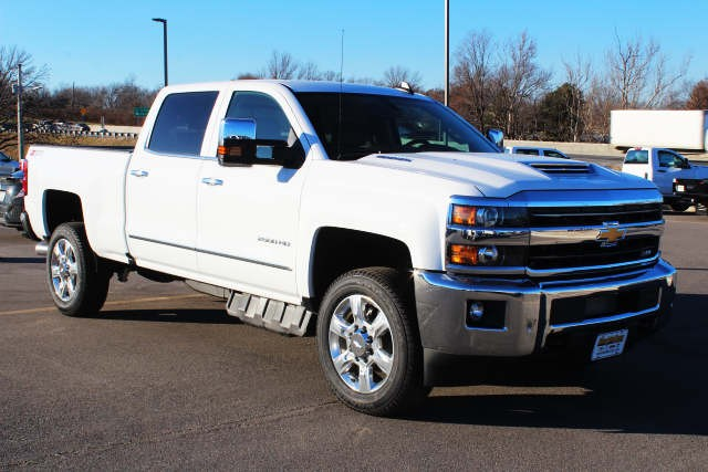 2019 Silverado 2500 Crew Cab 4x4,  Pickup #158123 - photo 3