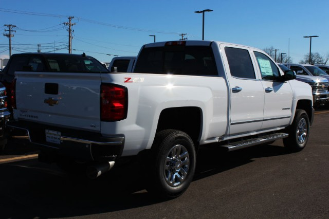 2018 Silverado 2500 Crew Cab 4x4,  Pickup #181008 - photo 2