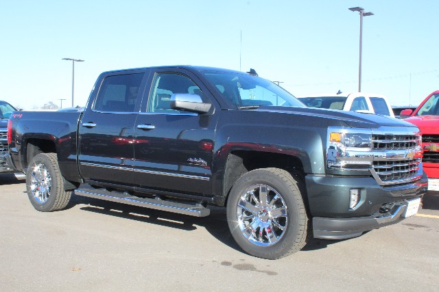 2018 Silverado 1500 Crew Cab 4x4,  Pickup #203314 - photo 3