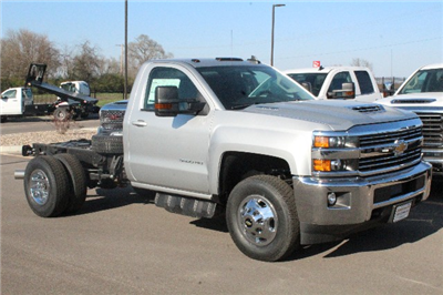 2018 Silverado 3500 Regular Cab DRW 4x4,  Cab Chassis #204855 - photo 3