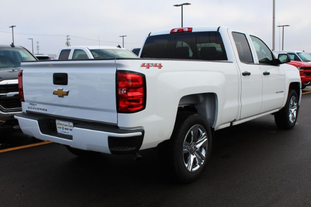 2018 Silverado 1500 Double Cab 4x4,  Pickup #207181 - photo 2