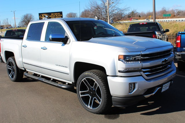 2018 Silverado 1500 Crew Cab 4x4,  Pickup #208704 - photo 3