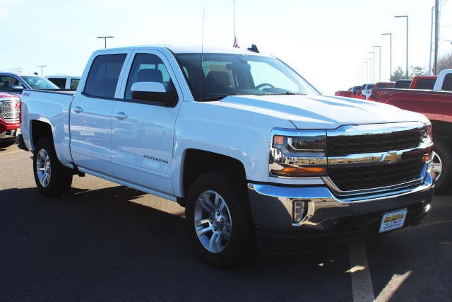 2018 Silverado 1500 Crew Cab 4x4,  Pickup #226851 - photo 3