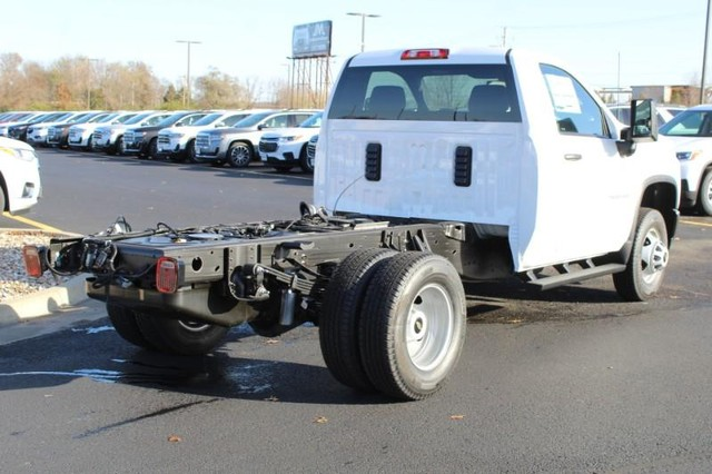 2020 Chevrolet Silverado 3500 Regular Cab DRW 4x2, Cab Chassis #338338 - photo 1
