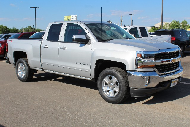 2018 Silverado 1500 Double Cab 4x4,  Pickup #344464 - photo 3