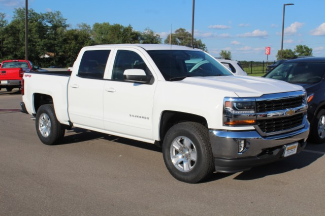2018 Silverado 1500 Crew Cab 4x4,  Pickup #352446 - photo 3