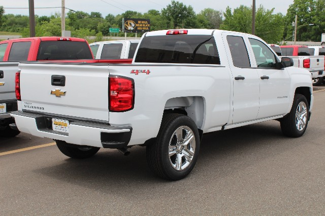 2018 Silverado 1500 Double Cab 4x4,  Pickup #355442 - photo 2