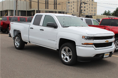 2018 Silverado 1500 Double Cab 4x4,  Pickup #355442 - photo 3