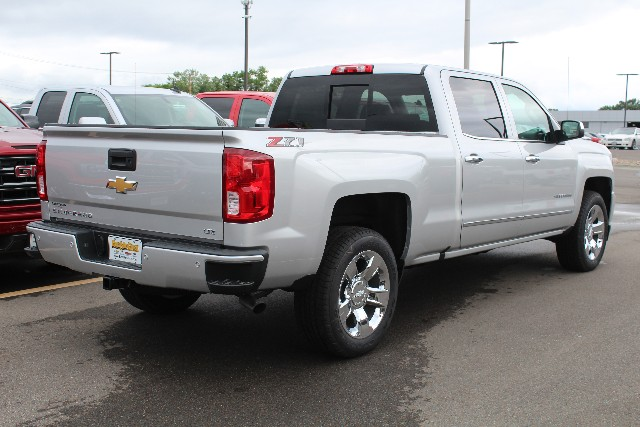 2018 Silverado 1500 Crew Cab 4x4,  Pickup #433273 - photo 2