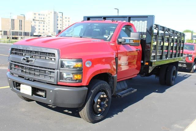 2020 Chevrolet Silverado Medium Duty Regular Cab DRW 4x2, Stake Bed #617794 - photo 5