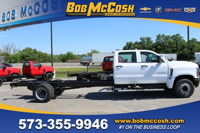 2020 Chevrolet Silverado Medium Duty Crew Cab DRW 4x2, Cab Chassis #617795 - photo 1