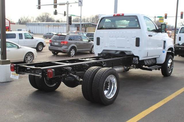 2020 Chevrolet Silverado Medium Duty Regular Cab DRW 4x4, Cab Chassis #674695 - photo 1