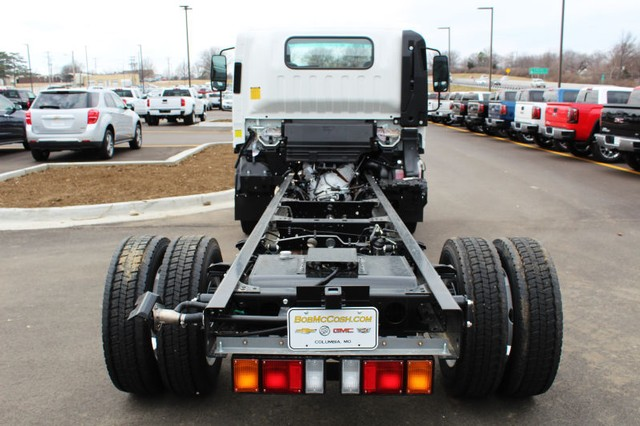 2016 Low Cab Forward Regular Cab 4x2,  Cab Chassis #813937 - photo 2