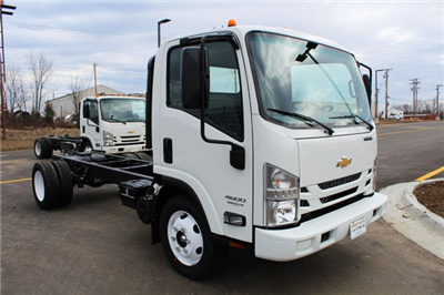 2016 Low Cab Forward Regular Cab, Cab Chassis #813937 - photo 3