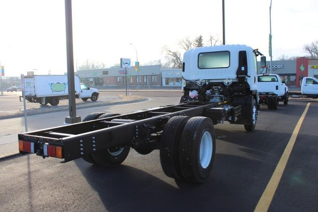 2021 Chevrolet LCF 6500XD Regular Cab DRW 4x2, Cab Chassis #MSG50054 - photo 1