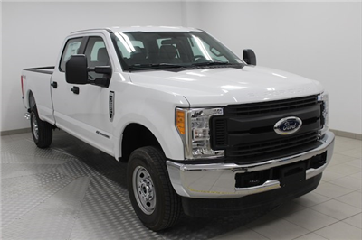 2017 F-250 Crew Cab 4x4, Pickup #H101459 - photo 1