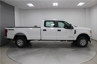 2017 F-250 Crew Cab 4x4, Pickup #H101459 - photo 3