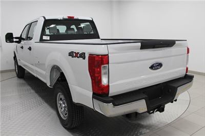 2017 F-250 Crew Cab 4x4, Pickup #H101459 - photo 2