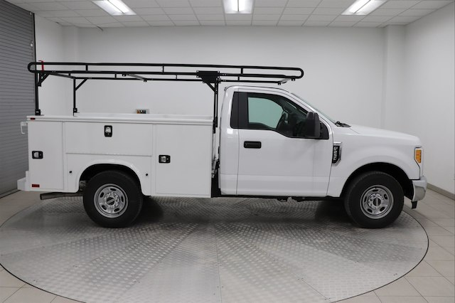 2017 F-250 Regular Cab, Knapheide Service Body #H101955 - photo 3
