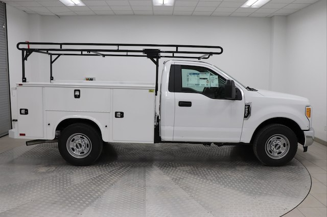 2017 F-250 Regular Cab, Knapheide Service Body #H101957 - photo 3