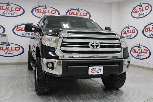 2017 Toyota Tundra Crew Cab 4x4, Pickup #M100311A - photo 1