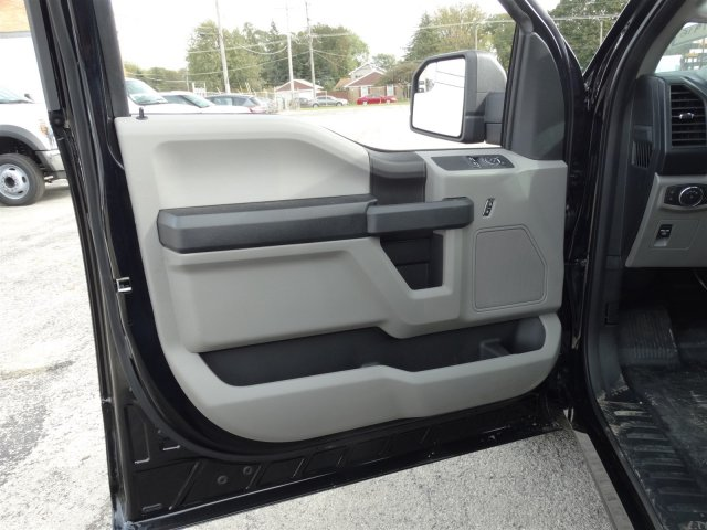 2018 F-150 Regular Cab 4x2,  Pickup #1916 - photo 9