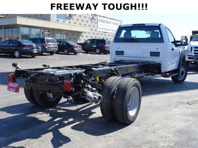 2017 F-450 Regular Cab DRW, Cab Chassis #6294 - photo 2