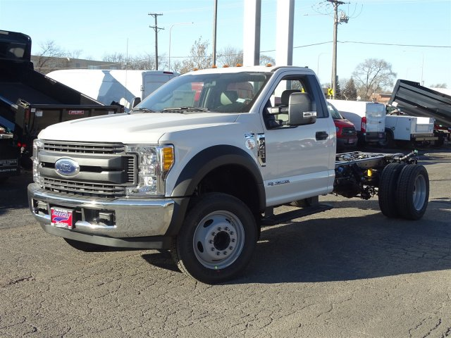 2017 F-450 Regular Cab DRW, Cab Chassis #6338 - photo 3