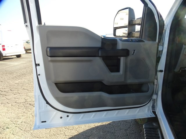 2017 F-450 Regular Cab DRW, Cab Chassis #6338 - photo 10