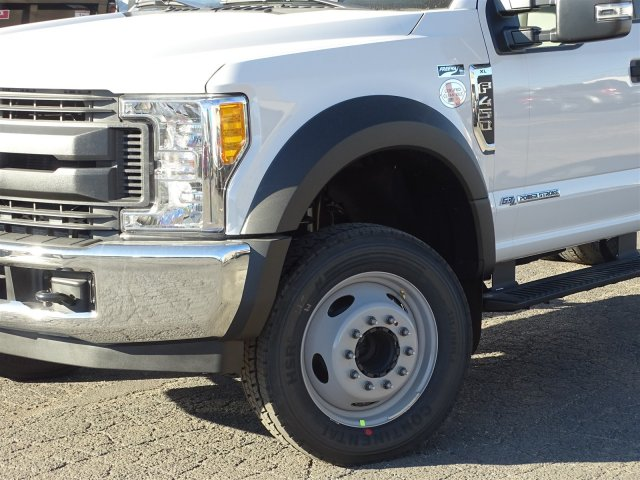 2017 F-450 Regular Cab DRW Cab Chassis #6339 - photo 5