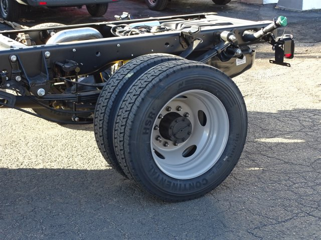 2017 F-450 Regular Cab DRW Cab Chassis #6339 - photo 9