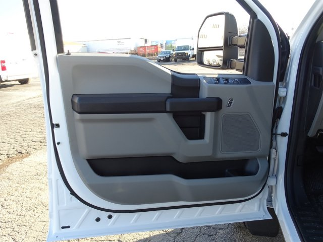 2017 F-450 Crew Cab DRW, Cab Chassis #6342 - photo 14
