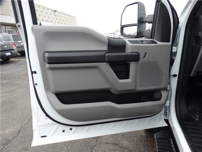 2018 F-550 Regular Cab DRW 4x4, Cab Chassis #6356 - photo 11