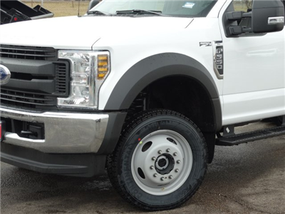 2018 F-550 Regular Cab DRW 4x4, Cab Chassis #6356 - photo 5