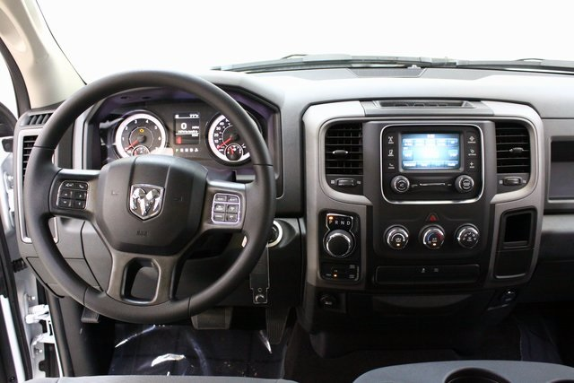 2017 Ram 1500 Crew Cab 4x4, Pickup #4213 - photo 13