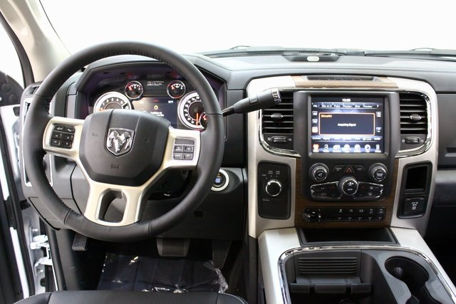 2017 Ram 3500 Crew Cab 4x4, Pickup #4308 - photo 15