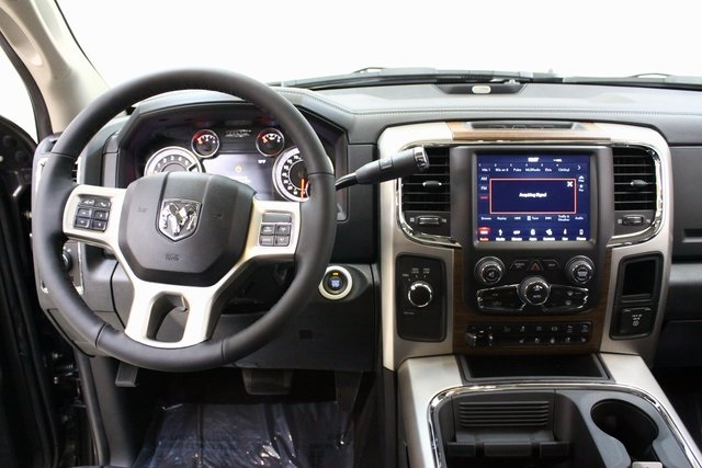 2018 Ram 3500 Crew Cab DRW 4x4, Pickup #4334 - photo 15