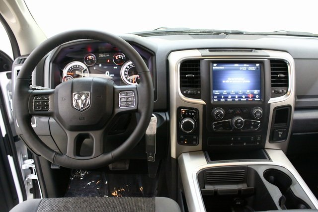 2018 Ram 1500 Crew Cab 4x4, Pickup #4497 - photo 14