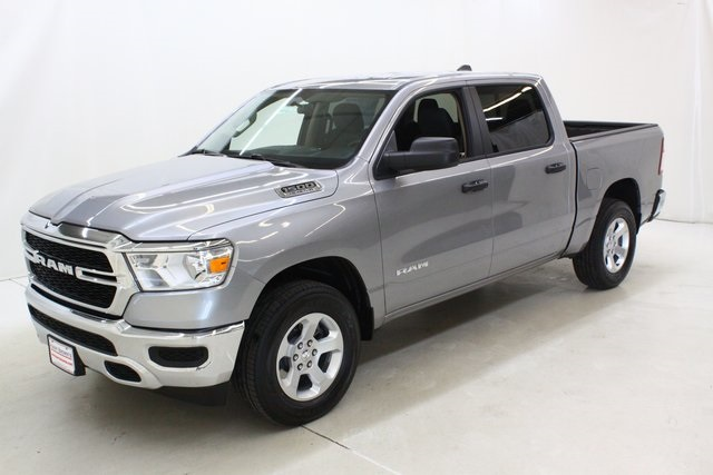 2019 Ram 1500 Crew Cab 4x4,  Pickup #4562 - photo 8