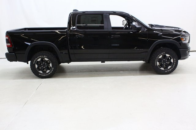 2019 Ram 1500 Crew Cab 4x4,  Pickup #4647 - photo 3