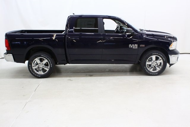 2019 Ram 1500 Crew Cab 4x4,  Pickup #4652 - photo 3