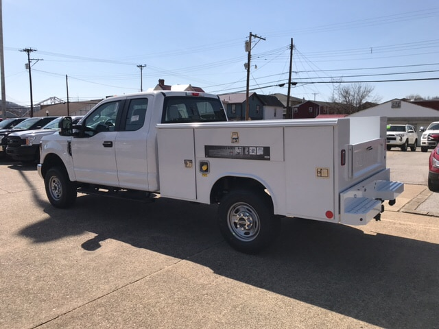 2018 F-250 Super Cab 4x4,  Reading Service Body #B85340 - photo 2