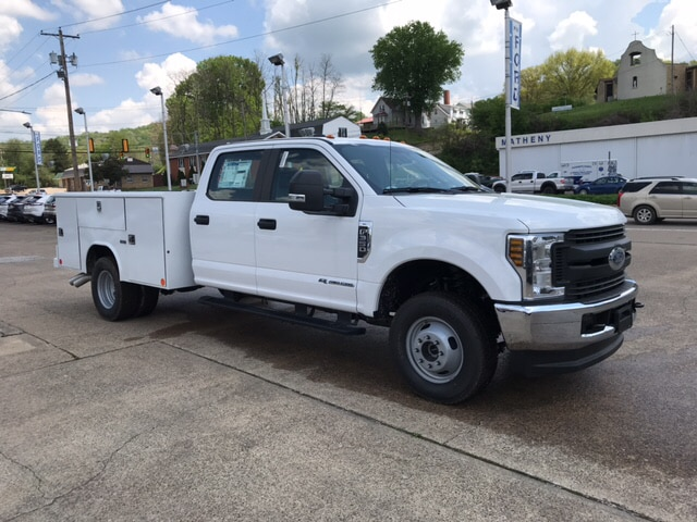2018 F-350 Crew Cab DRW 4x4,  Reading Service Body #B93052 - photo 4